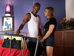 The mechanic  lights out Libidinous TMILF Jasmine seducing a mechanic to make love her.