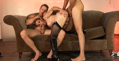 Menage a trois  double penetration. Lusty Jasmine Jewels getting her anus double invade