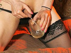 Taste my nectar Naughty TMILF Jasmine Jewels urine in a glass.